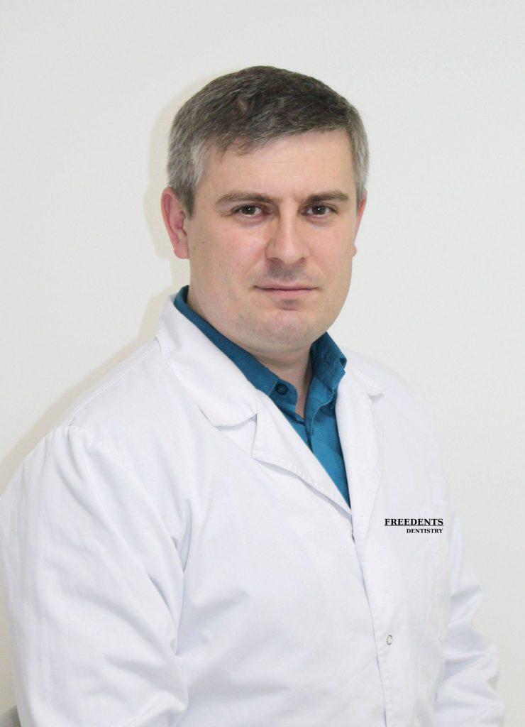 Повага Виталий Сергеевич (врач стоматолог-ортодонт)